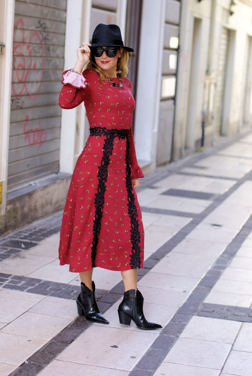 How to dress 70s Country Fashion Style: Maggie Sweet dress on Fashion and Cookies fashion blog