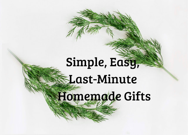 Check out these ideas for simple, quick, easy-to-make handmade gifts will help get you ready for the holidays!