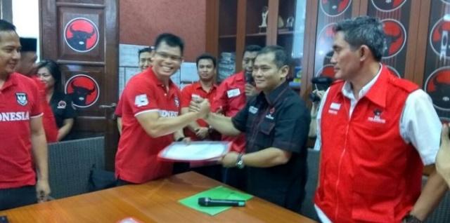 Chris John di Kantor DPD PDIP Semarang, Ngapain ?