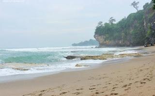 http://www.teluklove.com/2017/03/destinasti-keindahan-wisata-pantai-goa.html