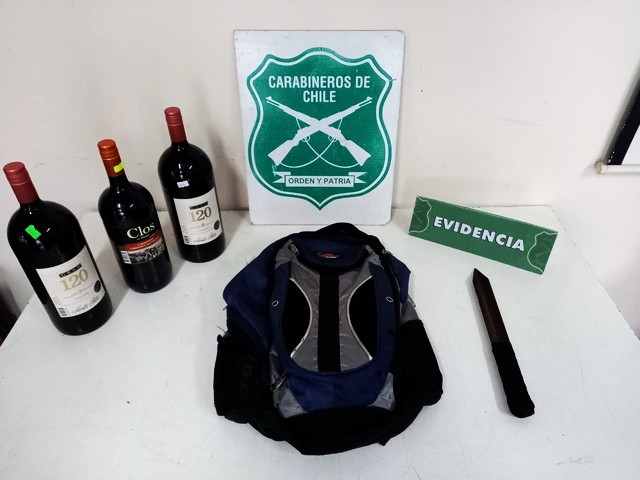 Detenido tras robar botellas de vino