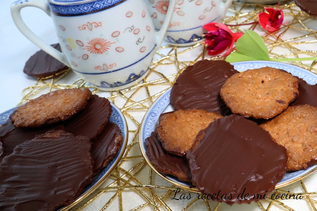Moscovitas, galletitas de almendra y chocolate