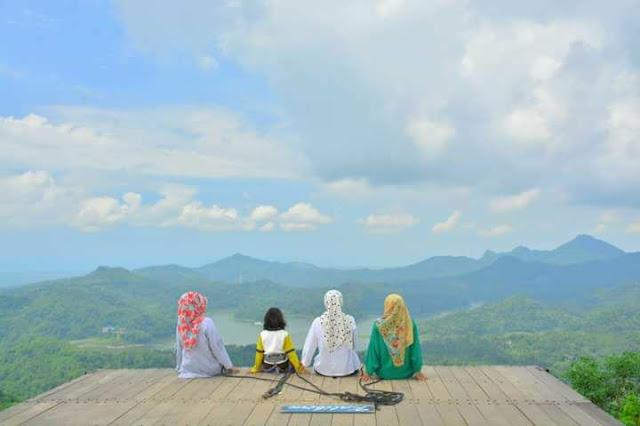 wisata alam kalibiru kulonprogo Jogjakarta