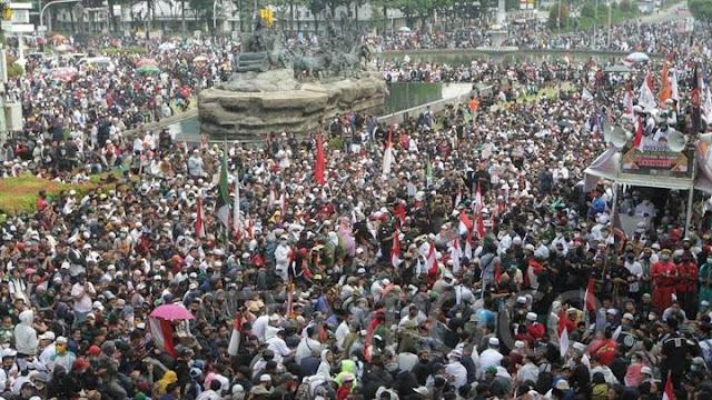 Ray Rangkuti: Demo Tolak UU Cipta Kerja Aksi Paling Besar yang Kecewa ke Jokowi