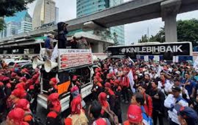 Ribuan Buruh Ancam Demo DPR Tuntut Pembahasan Omnibus Law Dihentikan