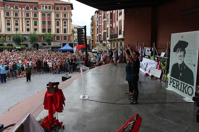 Homenaje póstumo a Periko Solabarría en Herriko Plaza en 2015