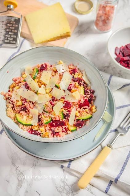 Sałatka z quinoa i burakiem