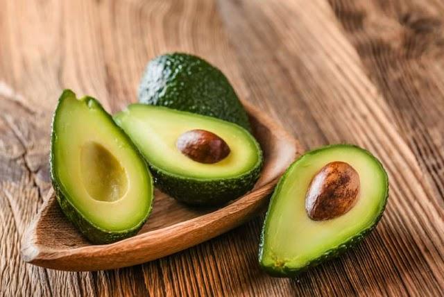 Benefícios do abacate: além de tudo, ele ajuda seu intestino