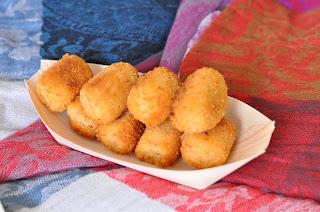 Croquetas Variadas:queso Azul, Marisco Y Bacalao