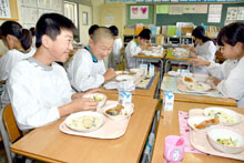 給食自校方式 さいたま市全小中学校