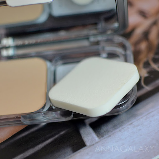 Спонжик в L'oreal True Match Ultra Perfecting Powder Alliance Perfect