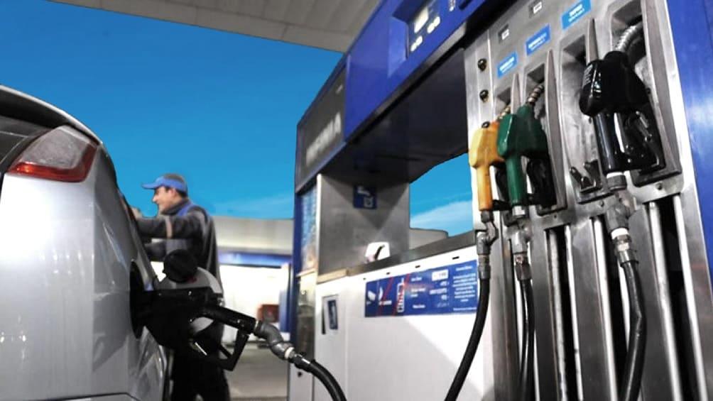 Rige desde hoy un aumentó del 3,5% promedio en los combustibles de YPF