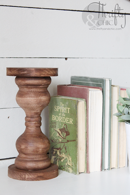 DIY rustic wood candlesticks. DIY farmhouse candle holders. DIY farmhouse decor. Rustic decor. Diy wood candle sticks.