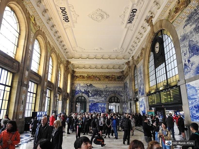 Interior da Estação São Bento - O que fazer no Porto, Portugal