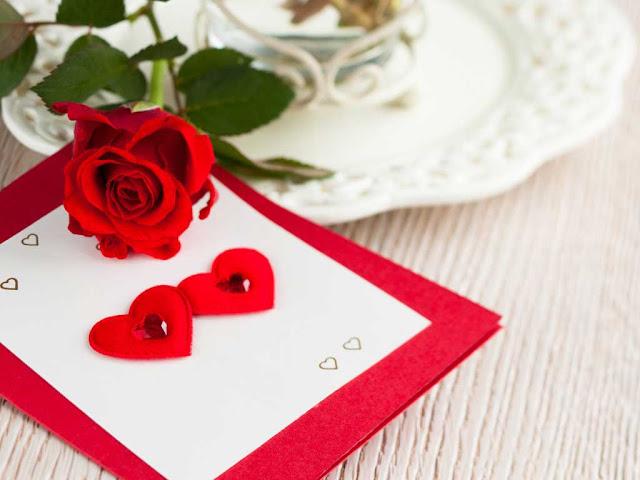 Просто купите валентинку с нежными словами - это будет самый идеальный вариант.