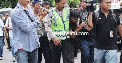 Minta Musik Hiburan HUT Pemkab di Kecilkan Saat Azan Zhuhur malah Muazin di Pukuli dan di Tangkap Polis