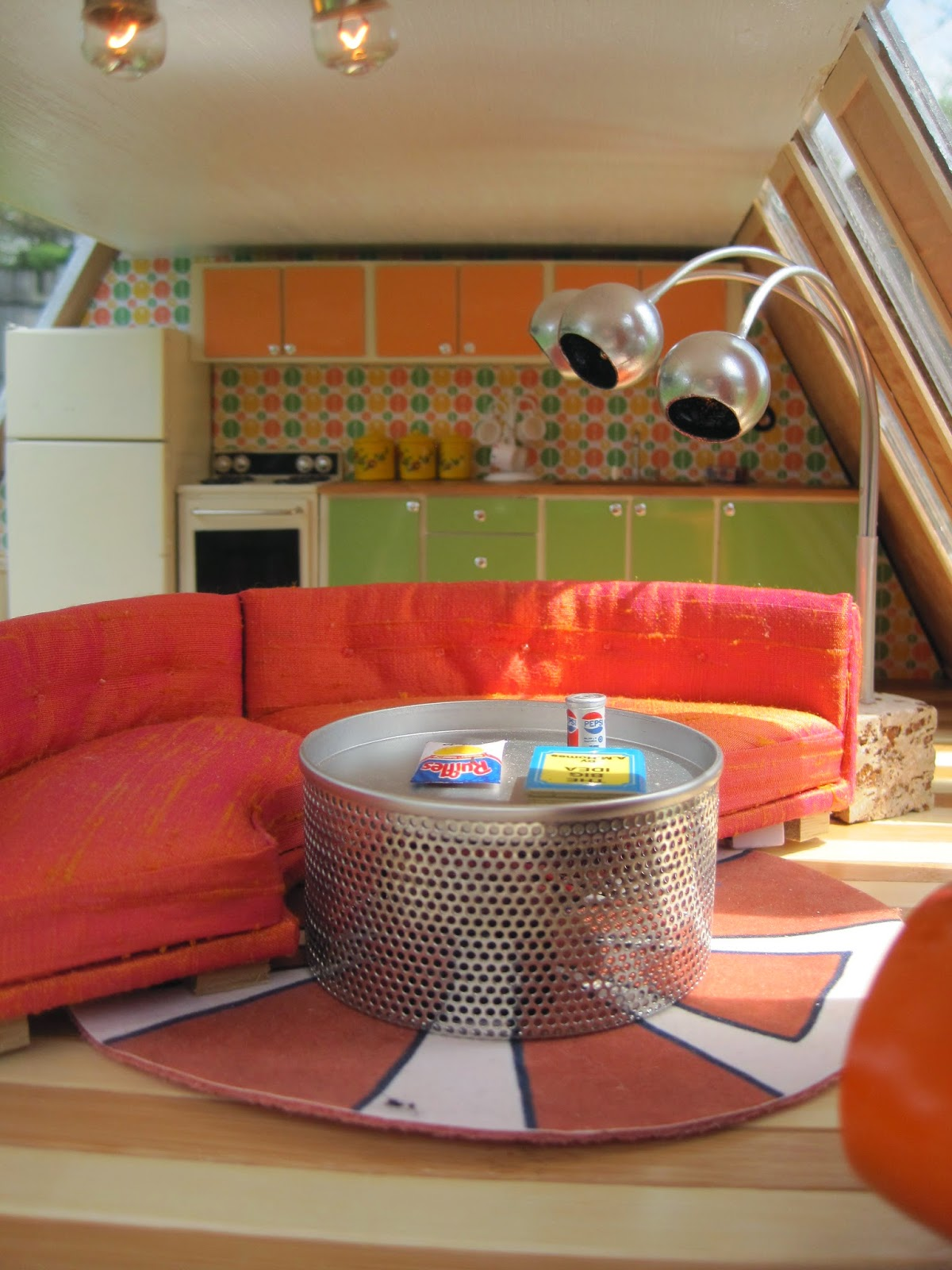 Urbanite Sofa Brown What Colour Curtains Mini Mod Pod Undersized The Groovy 70 39spad Is