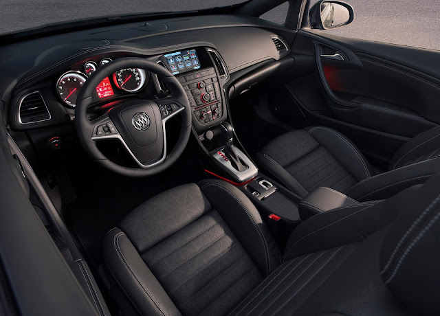 Interior view of 2016 Buick Cascada