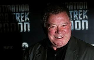 Blue Origin cho biết nam diễn viên 'Star Trek' Shatner, 90 tuổi, bay tới rìa không gian