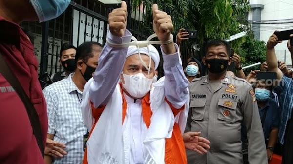Subhanallah! Dakwah di Dalam Penjara, Habib Rizieq Islamkan Dua Orang Napi