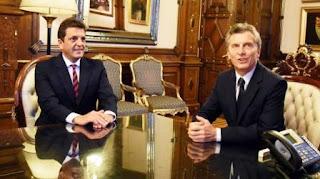 """Massa alertó que los aumentos aplicados por las resoluciones firmadas por el ministro de Energía, Juan José Aranguren, empezaron a causar """"daños importantes a las familias argentinas, a las pequeñas y medianas empresas y a las grandes industrias""""."""
