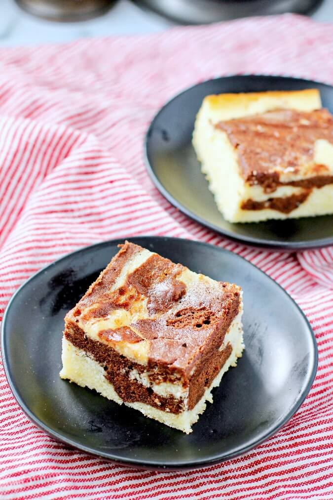 Marble cake on plates