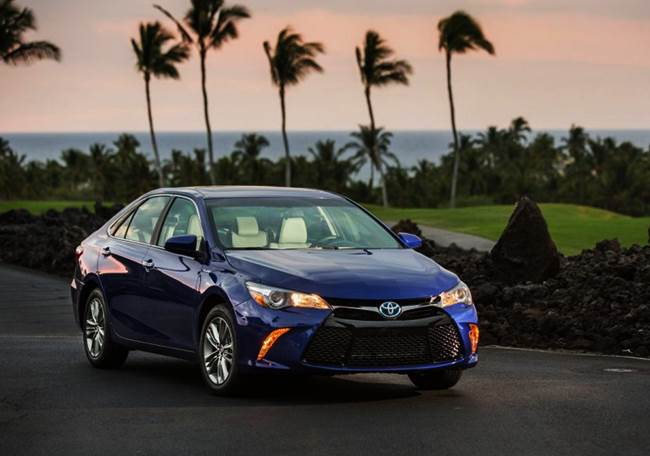 Toyota Camry Hybrid XLE 2.5L Reviews