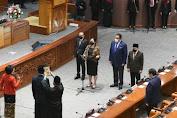 Puan Maharani Pandu Pengucapan Sumpah Pergantian Anggota PAW