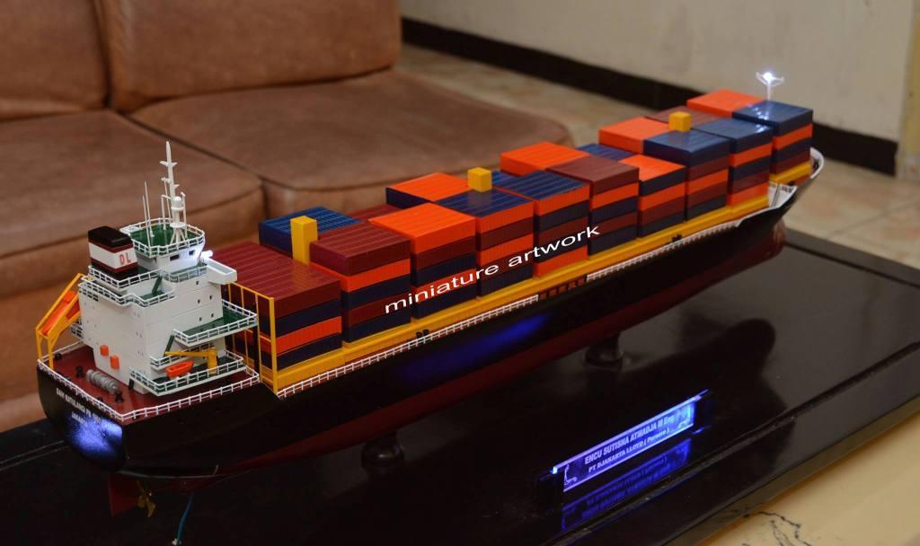 tempat jual harga murah miniatur kapal mv sam ratulangi pb 1600 pt djakarta lloyd planet kapal rumpun artwork