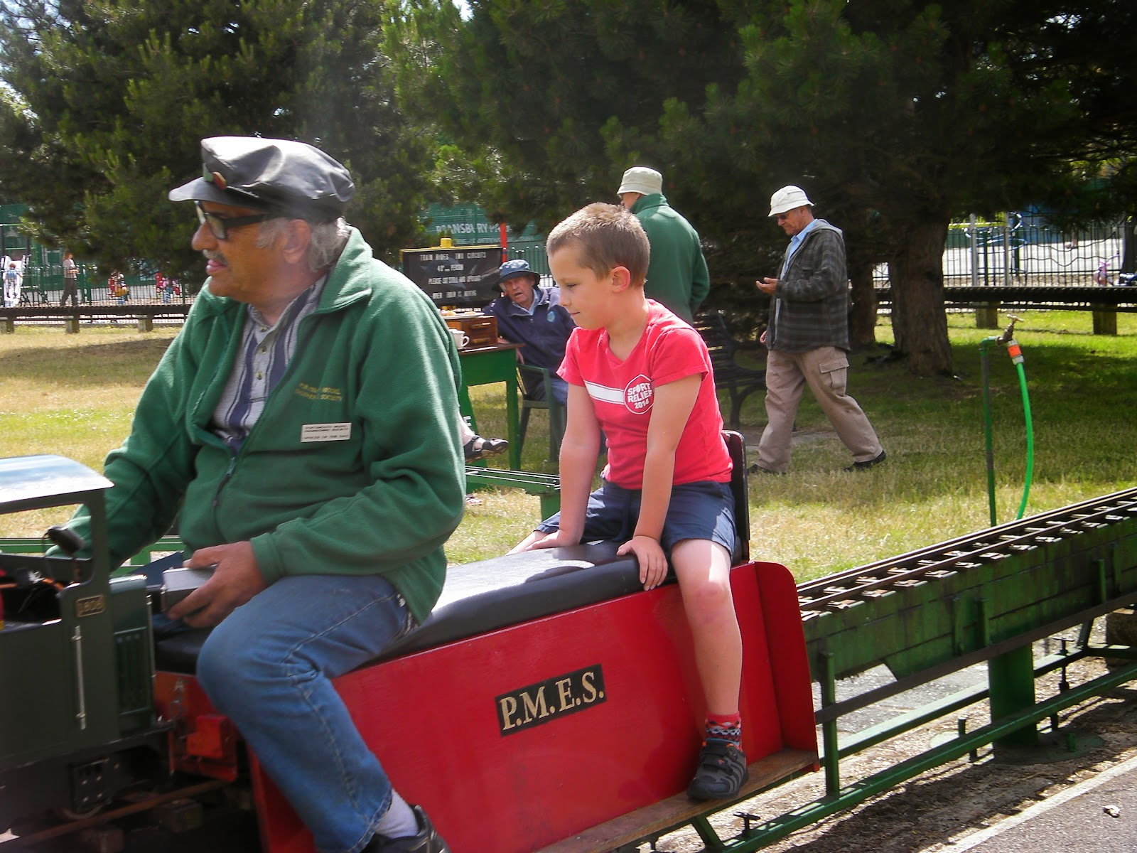 bransbury park portsmouth miniature steam train rides