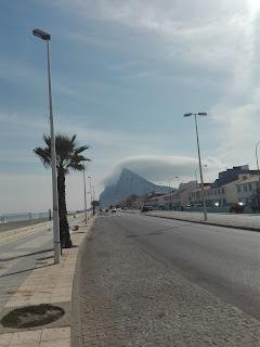 otra foto del Peñón de Gibraltar y su boina