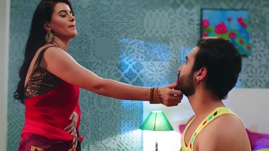 Atithi in House Actress Mokshita Raghav Hot