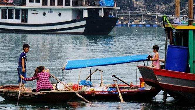 Chiêm ngưỡng làng chài đẹp nhất thế giới trên vịnh Hạ Long -8