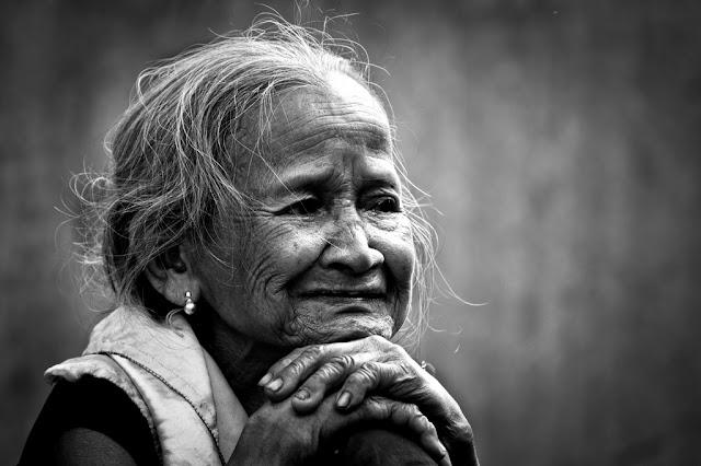 Hình ảnh về Mẹ kèm câu nói hay xúc động người xem