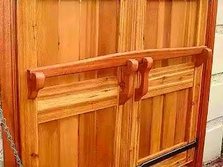 membuat-palang-pintu-tradisional.jpg