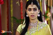 Naradudu Movie Stills-thumbnail-5