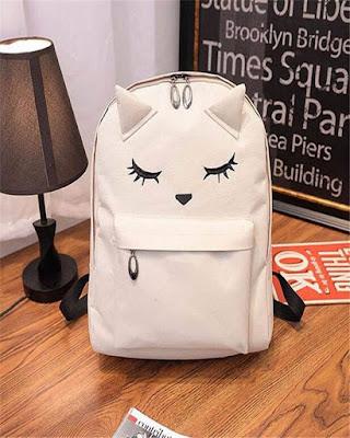 Bolsa blanca con orejas de gato