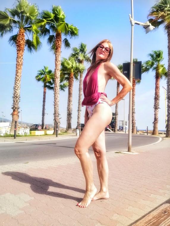 fashion blogger beachwear