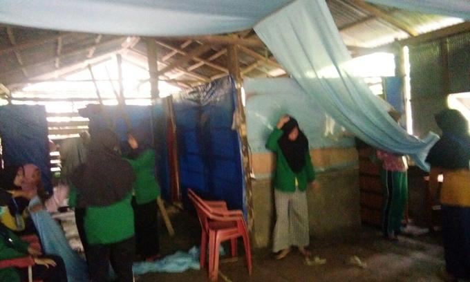 Gandeng Pemerintah Desa PKL Mahasiswa Stikes Sidrap Renovasi Rumah Warga Miskin