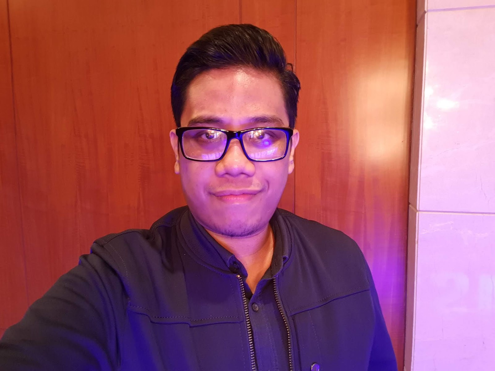 Samsung Galaxy Note9 Sample Selfie Shot