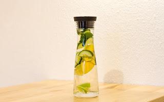 agua, limón y pepino