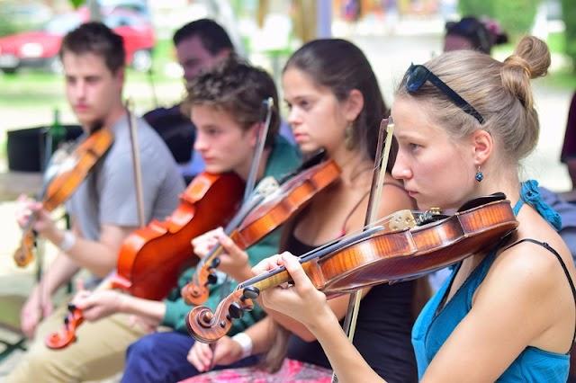 A Kárpát-medencei Táncházzenészek Találkozójával nyit a felújított Sóstói Múzeumfalu