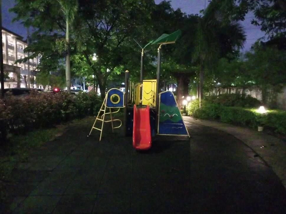 Infinix Hot 10s Camera Sample - Playground, Night