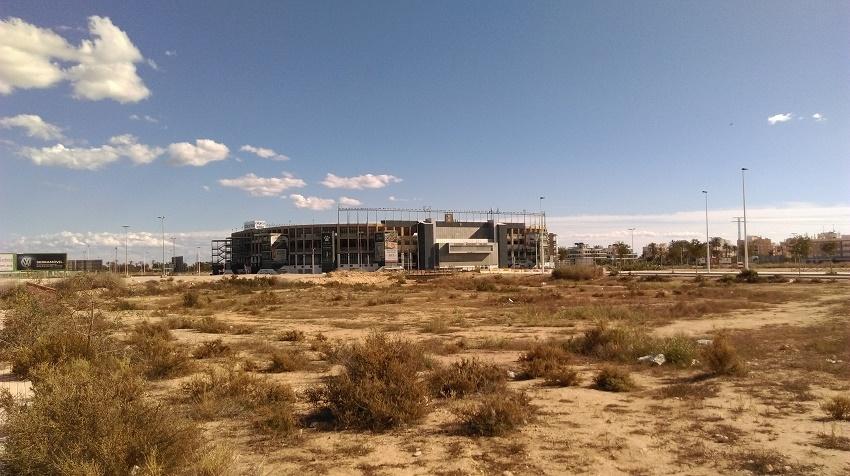 Okolice stadionu w Elche - fot. Tomasz Janus / sportnaukowo.pl