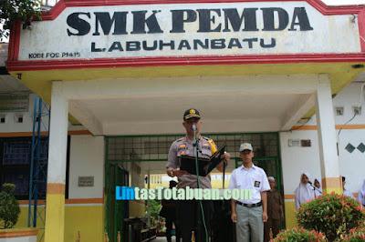 Kapolres Labuhanbatu Pembina Upacara di SMK Pemda Rantauprapat