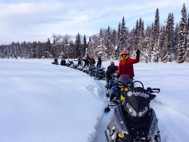 Pergi Snowmobiling di Alaska