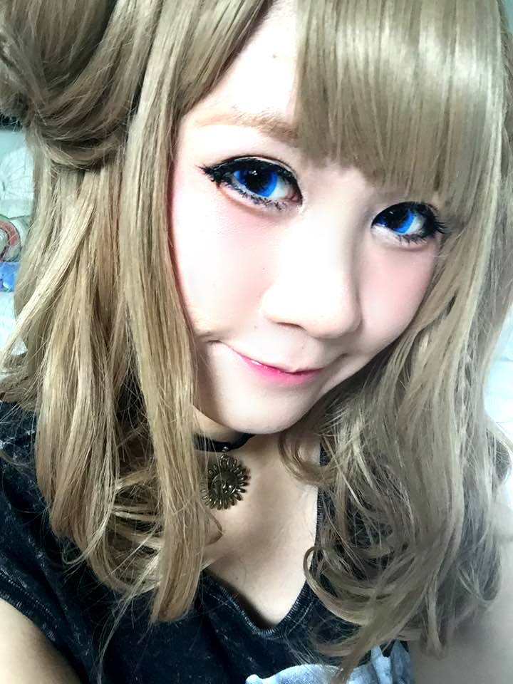 Vibrant Blue Soft Brown Contacts Against Amnesia Heroine Wig