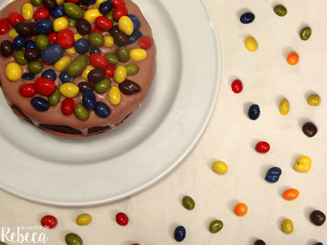 Bizcocho de chocolate con M&M's (pound cake o cuatro cuartos)