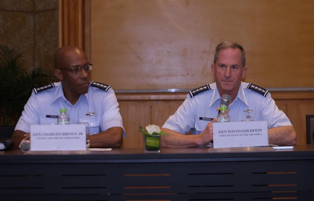 Giữa khủng hoảng bãi Tư Chính, hai tướng Mỹ đến Hà Nội lên án Trung Quốc