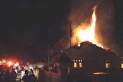 Kantor Partai Gerindra dan Posko Pemenangan Tim Keluarga Pasangan Jokowi-Ma'ruf di Selayar Terbakar